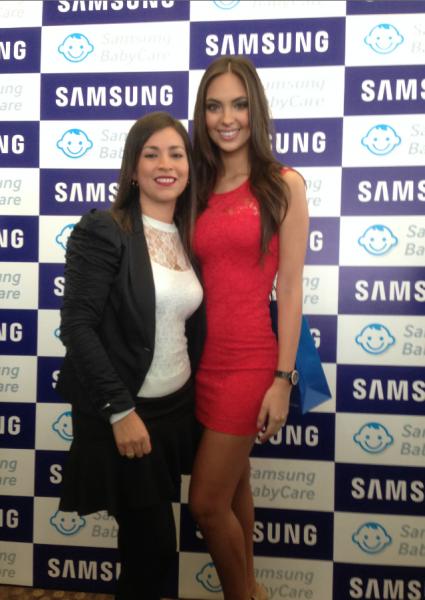 Con Natalie Vértiz una mami que probó la eficiacia de la lavadora BabyCare