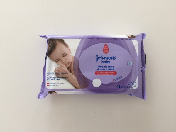 Toallitas Húmedas Dulces Sueños con una fragancia NaturalCalm que ayuda a relajar al bebe y es perfecta para usarlas antes de dormir